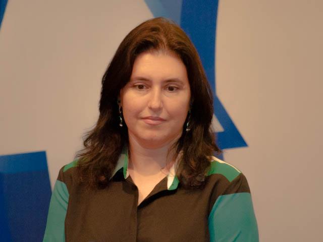A vice-governadora Simone Tebet (PMDB) afirma que Puccinelli é o candidato mais forte para representar Mato Grosso do Sul no Senado (Foto: Marcelo Calazans)