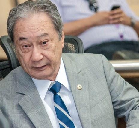 O deputado estadual George Takimoto (PDT) pede ajuda do governo federal para adquirir aparelhos médicos para a rede pública de saúde (Foto: Marcelo Calazans)