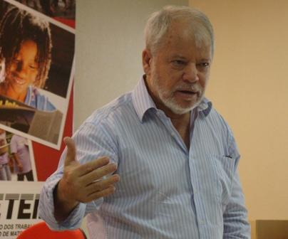 Para o deputado, Alcides Bernal (PP) terá mais facilidade e agilidade para administrar a prefeitura em 2014 (Foto: Reprodução)
