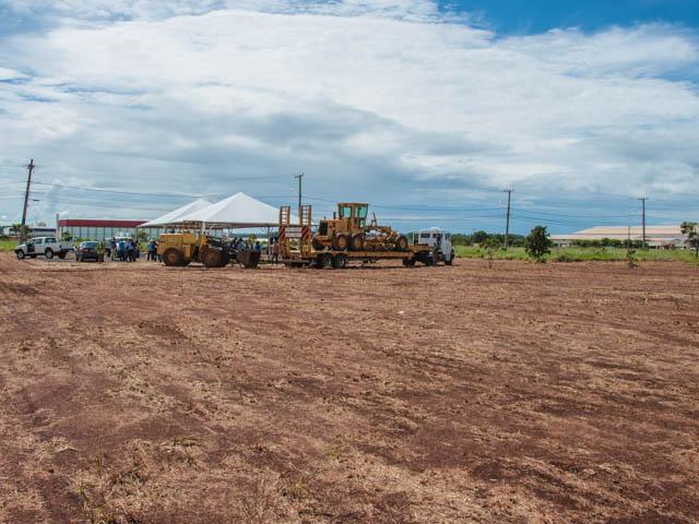 Terreno onde será construída a fábrica<br />Foto: Marcelo Calazans