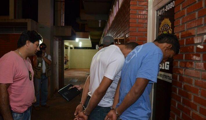 Dupla se junta a outros sete presos do bando.<br />Foto: Dourados Agora