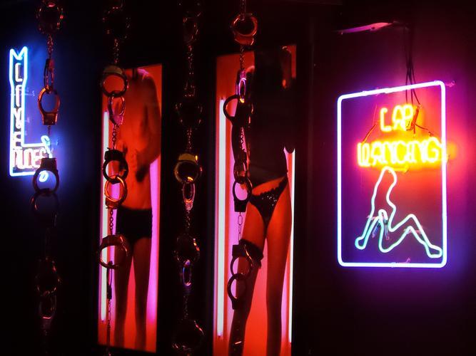 """<p style=""""text-align: justify;"""">Notória pela efervescência de suas baladas, a cidade de Porto Alegre (RS) volta os olhos para uma nova proposta de entretenimento noturno. Idealizado em um """"papo de bebum""""durante uma viagem de amigos pela Europa, o Valen"""