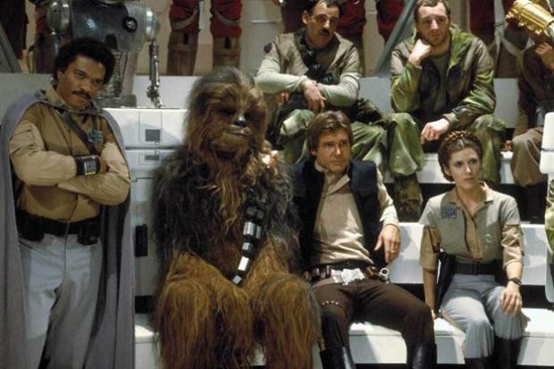 A Disney anunciou há pouco o elenco de<em>Star Wars: Episódio 7</em>. A lista inclui nomes como John Boyega, Daisy Ridley, Adam Driver, Oscar Isaac, Andy Serkis, Domhnall Gleeson e Max von Sydow.  A nova aventura da saga que já teve em seu elenco e