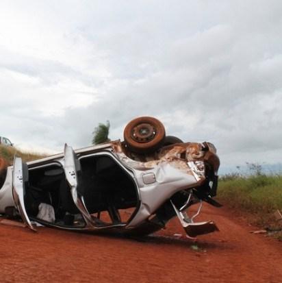 Por volta das 13 horas desta sexta-feira, o veículo NSB 6245 de Campo Grande estava trafegando sentido Sidrolândia a Campo Grande Aline Alves da Silva, de 23 anos, que capotou o veículo Renault Logan de placas NSB-6245 de Campo Grande no mesmo local do a