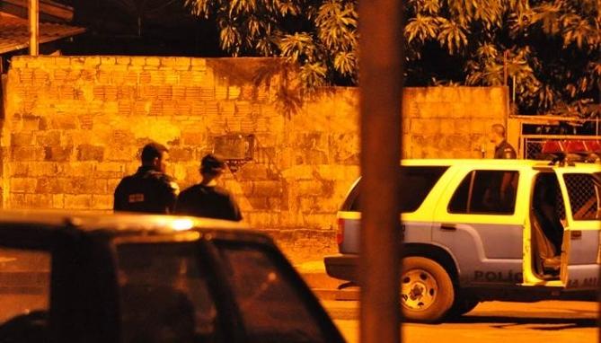 O caso deixou a vizinhança em pânico que chamaram a Polícia Militar.<br />Foto: Marcos Tomé/Região News