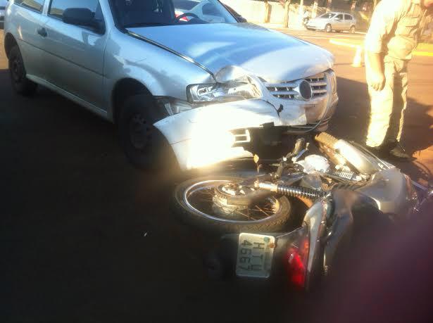 Acidente deixou uma pessoa ferida na manhã de hoje em Dourados - Foto: Adriano Moretto