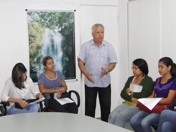 O secretário municipal de Desenvolvimento Econômico, Edil Alfonso Albuquerque fez questão de parabenizar a iniciativa, que garante atendimento aos turistas que pretendem conhecer Mato Grosso do Sul (Foto: Assessoria)