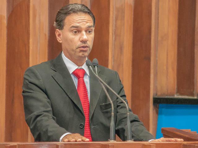 Deputado estadual Maquinhos Trad (PMDB) (Foto: Marcelo Calazans)