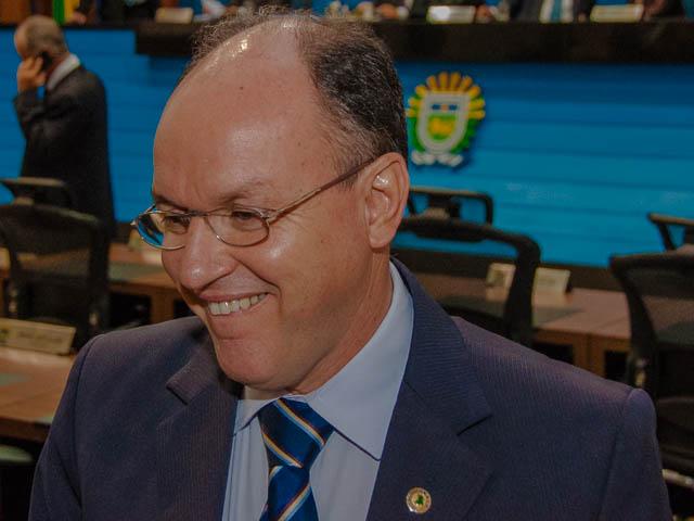 O deputado estadual Junior Mochi (PMDB) ressalta que Puccinelli ainda tem muito a fazer por Mato Grosso do Sul (Foto: Marcelo Calazans)