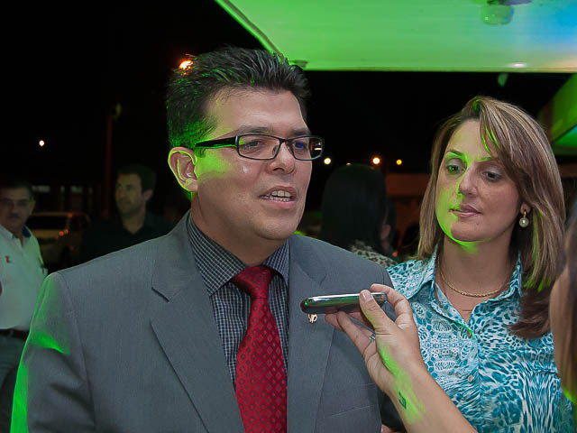 Prefeito Gilmar Olarte (PP) e primeira dama Andrea Olarte participaram ontem do lançamento da 76ª Expogrande na sede da Acrissul<br />Foto: Marcelo Calazans