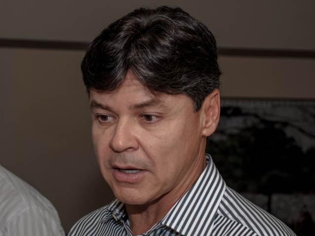 O presidente regional do PT e prefeito de Corumbá, Paulo Duarte garante que seu partido vai avaliar as propostas dos partidos para traçar uma aliança (Foto: Marcelo Calazans)