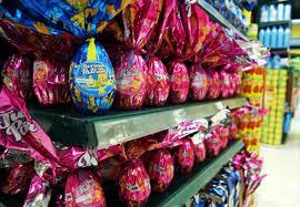 A Páscoa está chegando e os consumidores de todo o país já estão se preparando para comprar os ovos de chocolate e organizar o tradicional almoço em família. Este ano, a data comemorativa, que contempla os dias 18, 19 e 20 de abril (Sexta-feira Santa, Sáb