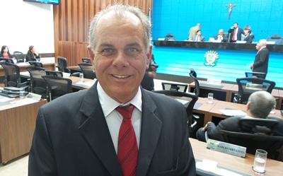 O deputado estadual Lauro Davi (PROS) acredita que seria necessário construir um setor dentro do Hospital Regional para a doação de medula óssea (Foto: Dany Nascimento)