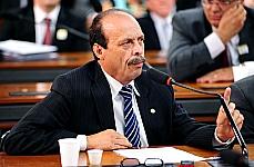 Lourival Mendes: texto da Comissão de Desenvolvimento Urbano aperfeiçoou a proposta original.<br />Foto: Câmara dos Deputados