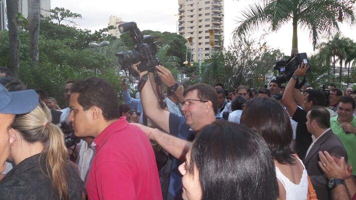 Os servidores do ex-prefeito Alcides Bernal (PP) entraram na prefeitura com uma liminar na tarde de ontem - Foto: Tayná Biazus