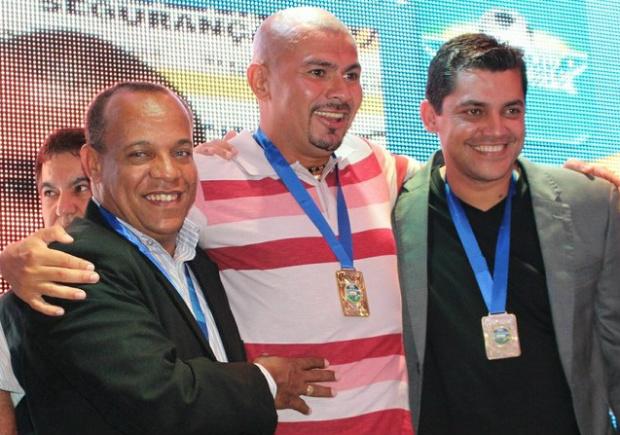 Rodrigues, Dubinha e Cláudio na festa de encerramento do Estadual 2014<br />Foto: Divulgação