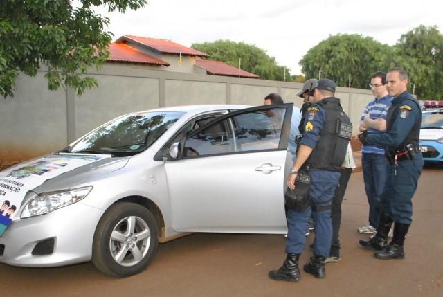 Carro foi encontrado abandonado no Jardim Itália - Foto: Osvaldo Duarte
