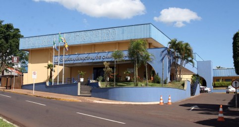 A Câmara Municipal de Campo Grande realiza hoje às 9h uma audiência pública para discutir as questões inerentes aos bairros da região urbana do Imbirussu.Esta será a segunda reunião realizada como desdobramento das sessões comunitárias promovidas pel