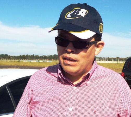Prefeito Gilmar Olarte (PP) concedeu entrevista durante visotria no Autódromo Internacional de Campo Grande<br />Foto: Tayná Biazus