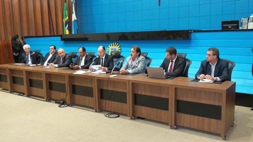 a audiência pública sobre a privatização da rodovia BR-163 em Mato Grosso do Sul foi realizada no plenário da ALMS - Foto: Tayná Biazus
