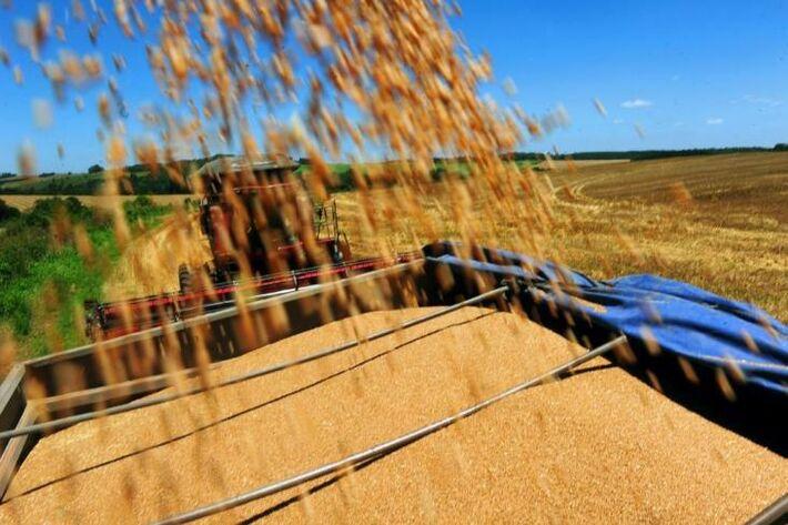 </p> A Companhia Nacional de Abastecimento (Conab) negociou, nesta segunda, dia 16, a remoção de 35,8 mil toneladas de milho para municípios não atendidos pela operação especial na região da Superintendência do Desenvolvimento do Nordeste (Sudene).  O