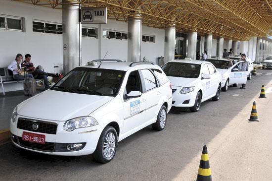 Taxistas do aeroporto de Campo Grande<br />Foto: Correio do Estado