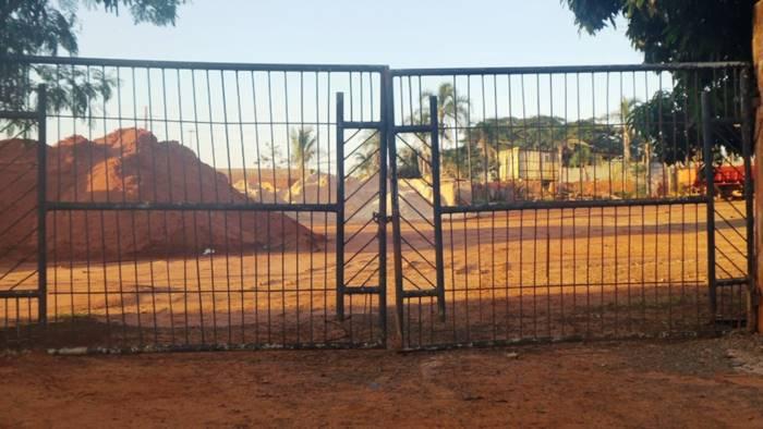 Foto do dia 24 de junho às 16h36 mostra portão aberto