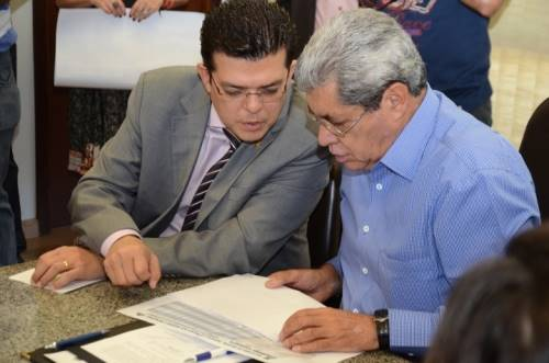 Prefeito de Campo Grande, Gilmar Olarte (PP) e governador de Mato Grosso do Sul, André Puccinelli (PMDB) - Foto:Ernesto Franco
