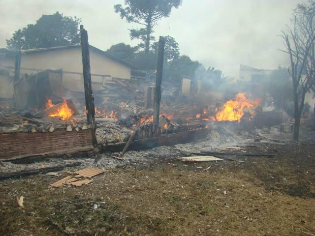 Incêndio no início de maio deixou seis pessoas mortas na fronteira<br />Foto: Vilson Nascimento/A Gazeta News