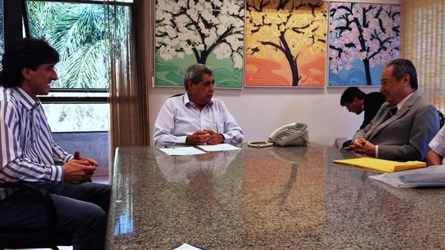 Empresário Adão Parizotto, governador André Puccinelli (PMDB) e deputado estadual George Takimoto (PDT)<br />Foto: arquivo