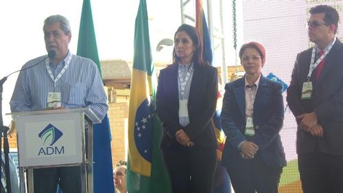 O governador de Mato Grosso do Sul, André Puccinelli (PMDB) comemorou a instalação da indústria - Foto: Dany Nascimento