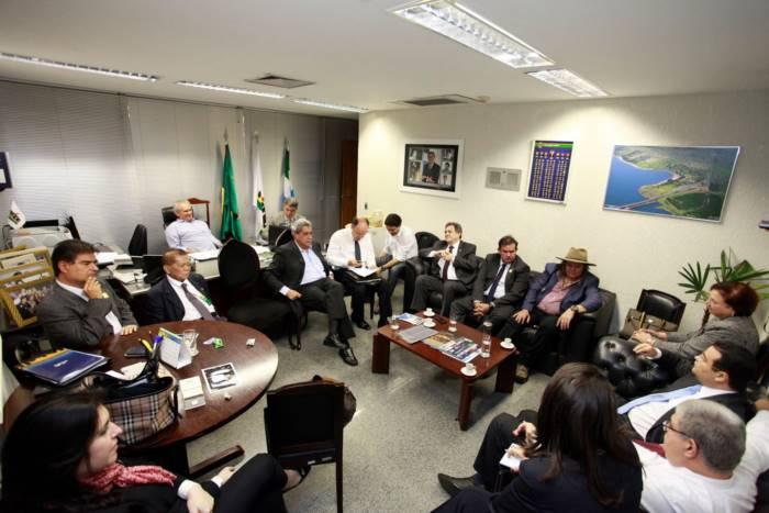 Bancada do PMDB de Mato Grosso do Sul reunida em Brasília - Foto: Assessoria senador Waldemir Moka (PMDB)