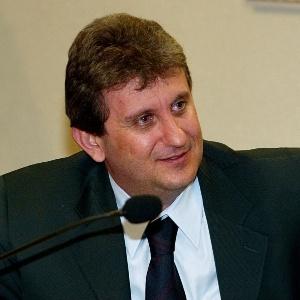 Doleiro Alberto Yousssef, na CPI do Banestado, em 2003.<br />Foto: Agência UOL