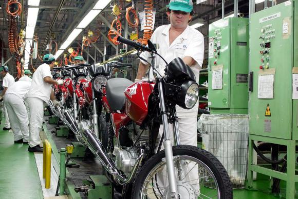 Segundo pesquisa divulgada hoje (17) pela Confederação Nacional da Indústria (CNI), o índice de evolução da produção registrou 48,4 pontos em maio Arquivo/Agência Brasil