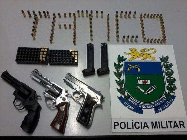Armas e munições apreendidas pela polícia<br />Foto: Assessoria