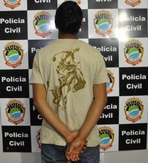 Rapaz foi preso na noite desta quinta-feira (<br />Foto: Nova News