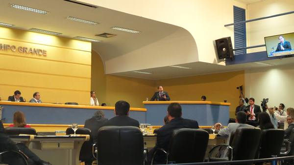 Presidente da Câmara de Vereadores durante seu discurso<br />Foto: Junior Cordeiros
