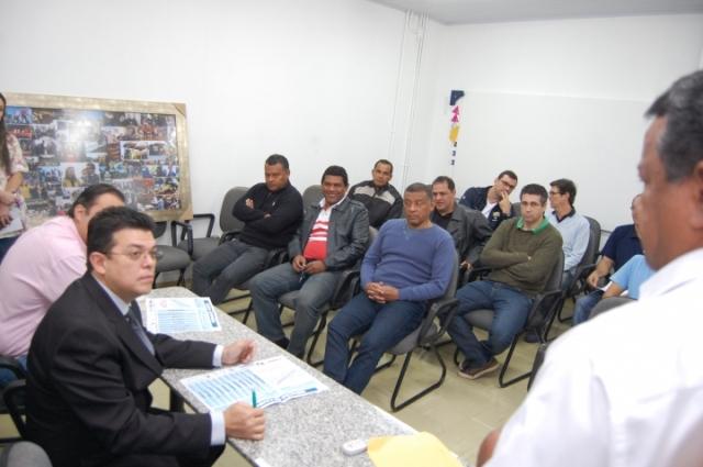Prefeito Gilmar Olarte (PP) em reunião com o diretor da Funesp<br />Foto: Marlon Ganassin