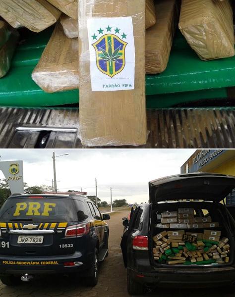 """Embrulhadas em embalagens verde e amarela, vários tabletes de maconha com emblema """"Padrão Fifa"""" foram encontrados pela PRF (Polícia Rodoviária Federal) em um veículo de luxo, VW/Touareg, com placas de São Paulo. O automóvel estava abandonado no Km 97"""