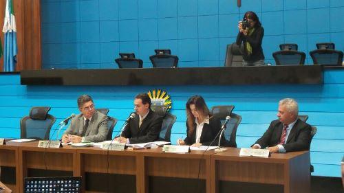 Audiência pública começou a ser realizada às 14 horas na Assembleia - Foto: Karla Machado
