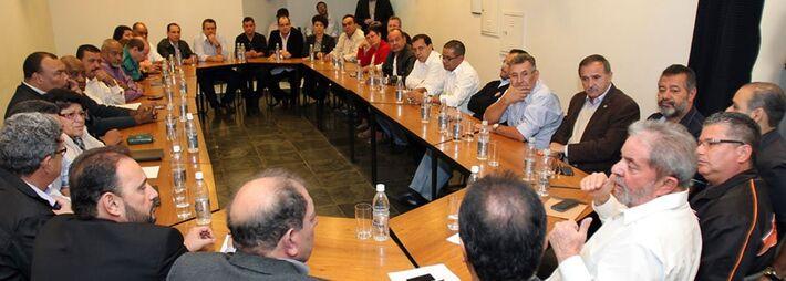 </strong> <strong>São Paulo</strong>– O ex-presidente Luiz Inácio Lula da Silva (PT) reuniu-se ontem (30) pela manhã, na sede do Instituto Lula, no Ipiranga, zona sul de São Paulo, com lideranças da Força Sindical. Os sindicalistas estiveram com Lula, q