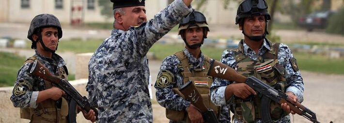 O Exército iraquiano expulsou insurgentes sunitas do vilarejo-natal do falecido ditador Saddam Hussein, de acordo com a mídia estatal e a polícia, como parte de uma campanha para retomar amplas áreas do norte e oeste do Iraque ocupadas por rebeldes.