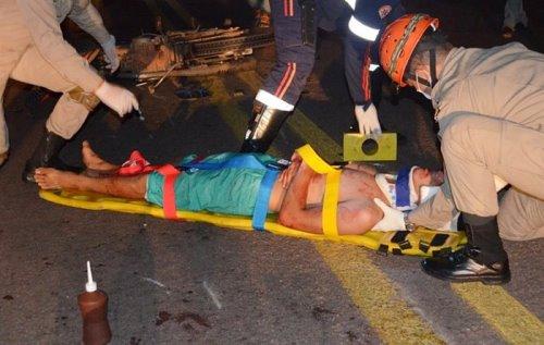 Motociclista foi encaminhado para o Hospital Regional Álvaro Fontoura com um corte no braço<br />Foto: Angela Bezerra