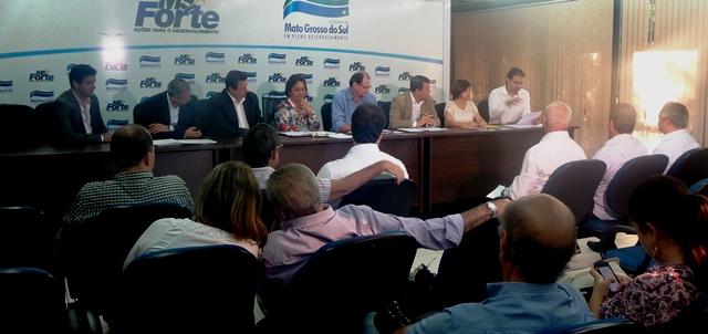 Equipe de transição do atual governador, André Puccinelli (PMDB), apresenta situação das secretarias para a equipe de transição de Reinaldo Azambuja (PSDB)<br />Foto; Leide Laura Meneses