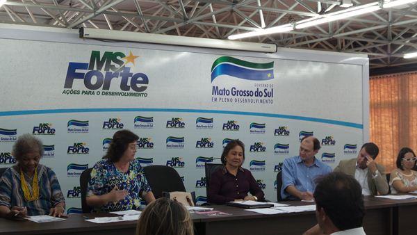 Reunião da equipe de transição, na tarde desta sexta-feira<br />Foto: Karla Machado