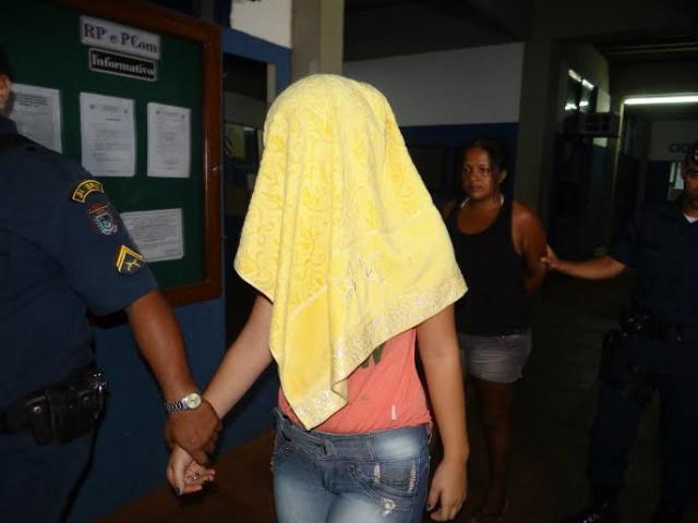 Dupla foi autuada em flagrante pela Polícia Militar - Foto: Osvaldo Duarte