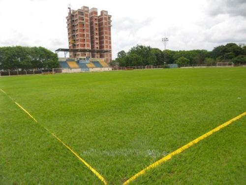Estádio da Leda está localizado na avenida Weimar Gonçalves Torres, região central de Dourados<br />Foto: Cido Costa