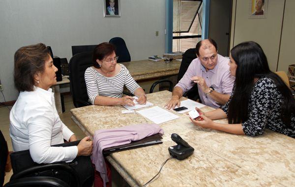 Reunião com a equipe de transição e Setas<br />Foto: Rachid Waqued/Assessoria