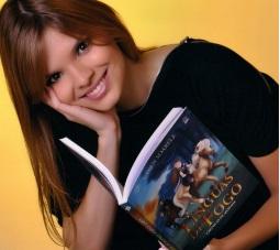 """""""Canção das Estrelas"""" é o quarto livro escrito por Karen Soarele<br />Foto: Divulgação"""