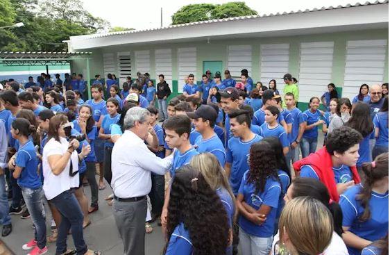 Governador do Estado, André Puccinelli (PMDB), em entrega de escola<br />Foto: Divulgação Notícias MS